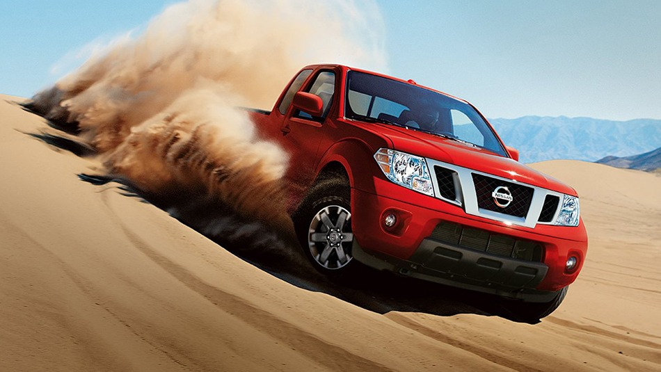 2019-nissan-frontier-in-red