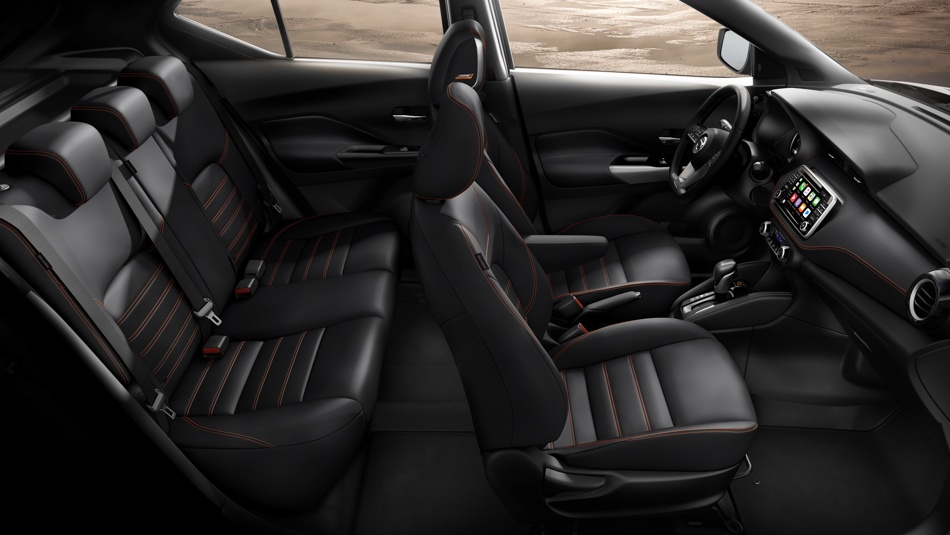 2019-nissan-kicks-spacious-interior-charcoal-leather