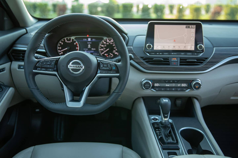 2020-Nissan-Altima-12517
