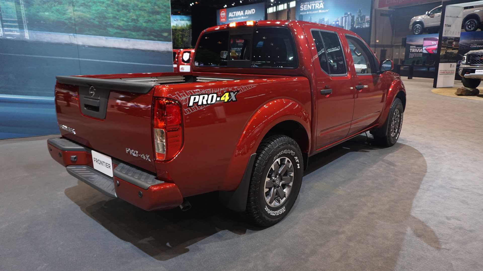 2020-nissan-frontier-at-chicago-auto-show (1)